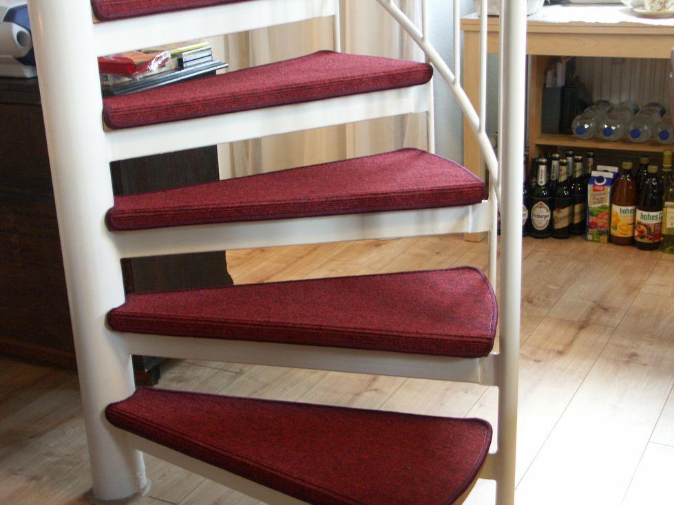 stufenmatten f r wendeltreppe bv35 hitoiro. Black Bedroom Furniture Sets. Home Design Ideas